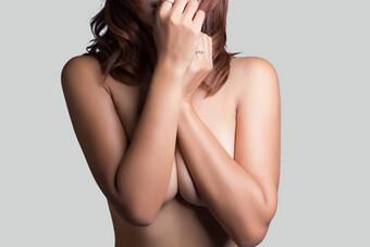 Φωτογραφία επιθυμητού αποτελέσματος μετά από μείωση στήθους