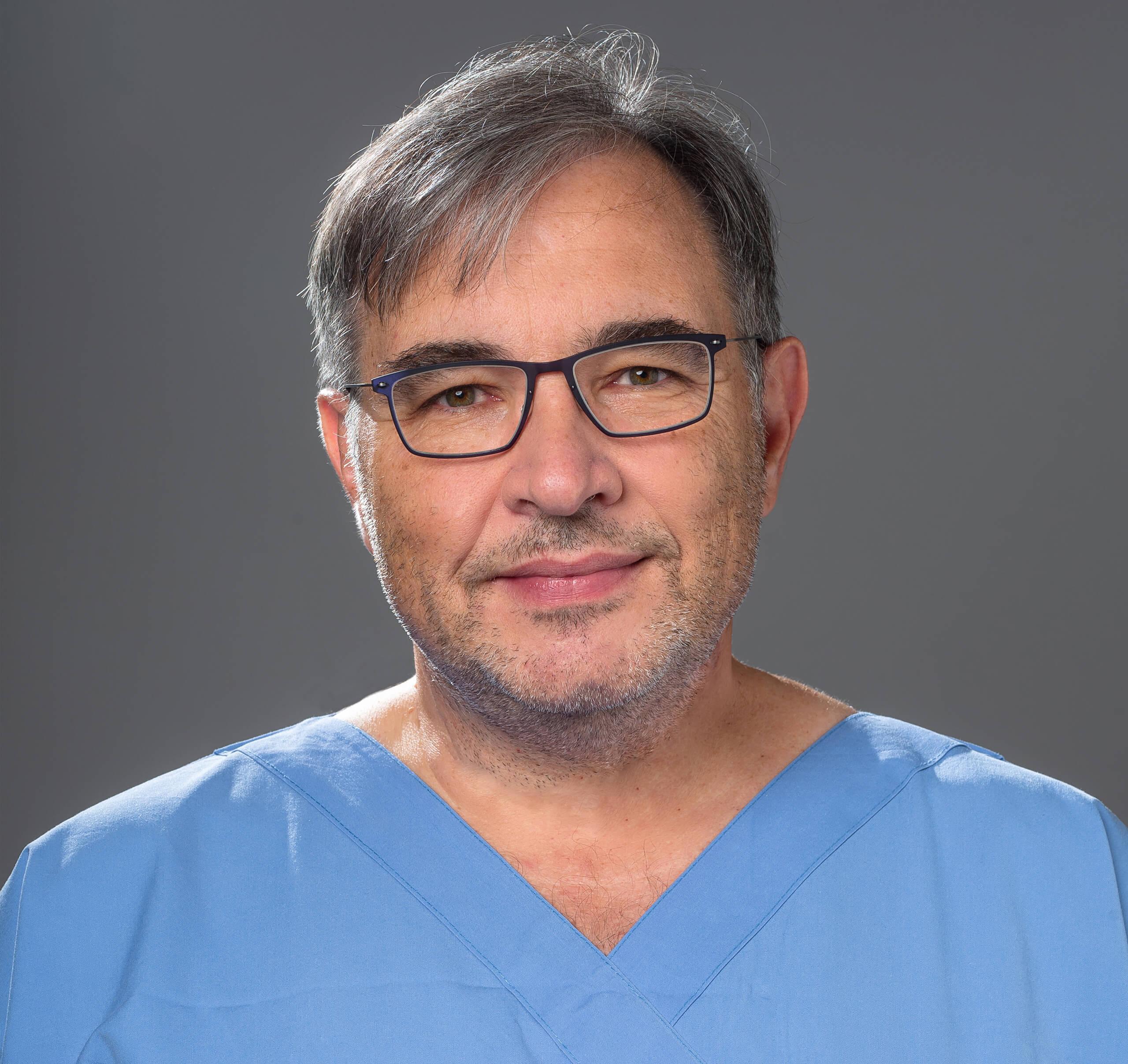 Φωτογραφία του πλαστικού χειρουργού Δημήτρη Μαστοράκου